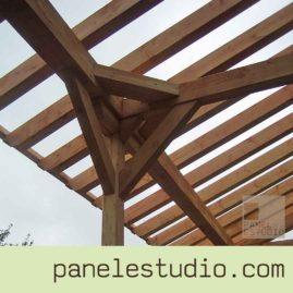 Estructuras de madera. Mecanizado de gran calidad para evitar herrajes. www.paneldecubierta.com
