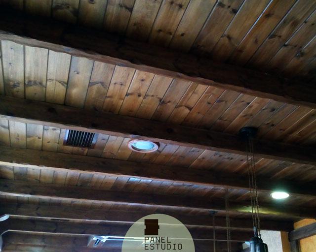 Paneles prefabricados de madera para cubiertas, entreplantas y trasdosados. Acabado decorativo friso aislante interior.