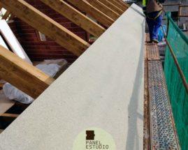 Ejecución de cubierta con paneles de madera.