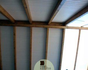 Montaje techo friso blanco con aislamiento.