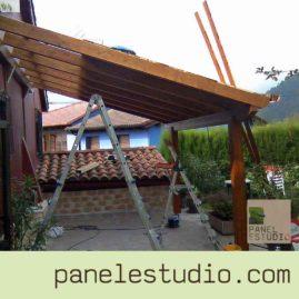 Estructuras de madera. Pérgolas, porches y marquesinas. www.paneldecubierta.com