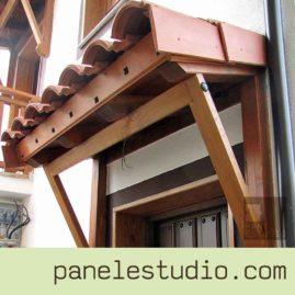 Pequeñas estructuras de madera. www.paneldecubierta.com