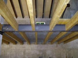 Panel de madera TRICAPA para entreplanta aligerada con acabado decorativo. Altillo para almacén.