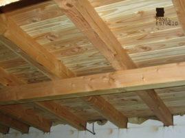 Rehabilitación de vivienda con panel de madera TRICAPA para entreplanta aligerada con acabado decorativo. Vivienda.