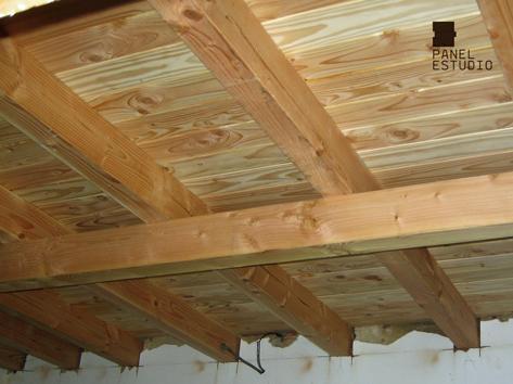 Panel tricapa para entreplanta aligerada for Tejados de madera modernos