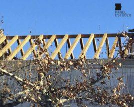 Estructura de madera para colocar panel sándwich de madera acabado cartón yeso PYL ejecutada por Gurpel construcciones.