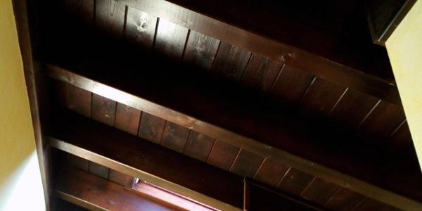 Cubierta panel sandwich de madera acabado decorativo rústico. Colocación Madrid paneles madera.