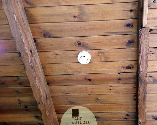 Techos de madera r sticos con aislamiento t rmico for Tejados de madera antiguos