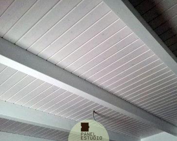 Paneles decorativos de madera abeto blanco decapé. Madrid paneles de madera para cubiertas.