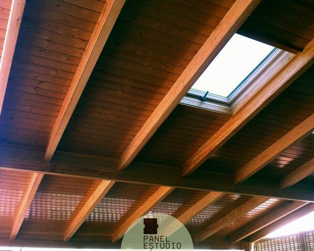 Precio m2 panel de madera para cubiertas y tejados madrid for Tejados de madera precio m2