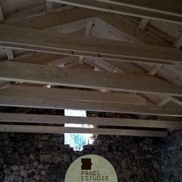 Panel sandwich de friso madera abeto barnizado - Tejado madera ...