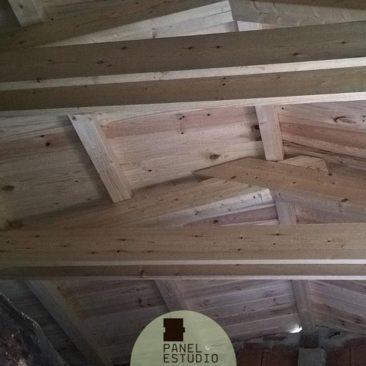 Precio m2 panel de madera para cubiertas y tejados madrid for Tejado de madera madrid