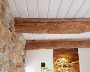 Reforma techo friso blanco.