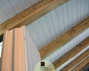 Aislamiento panel blanco madera.